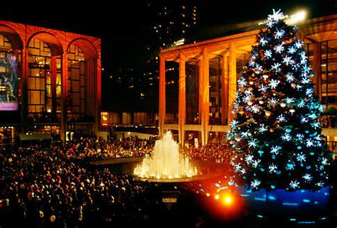 New York Holiday Lights Tour - Free Tours by Foot