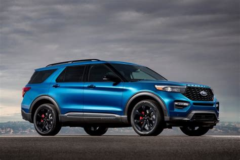 Ford says Explorer, Expedition seats can fly off in a